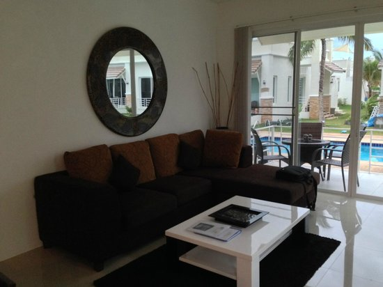 Oriental Beach Pearl Resort: Villa 11