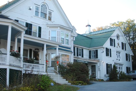 Candlelite Inn: Front of the Inn