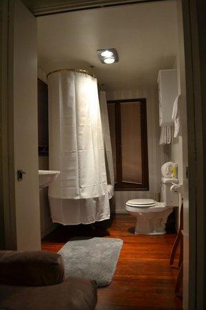 Bath Street Inn: Banheiro