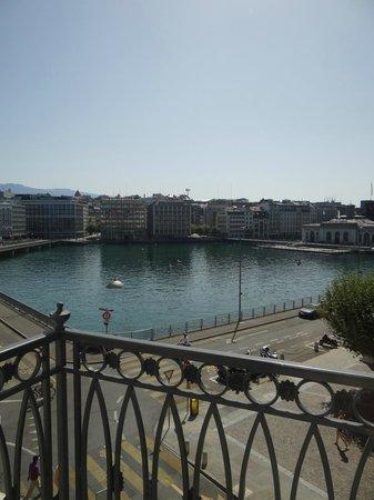 Four Seasons Hotel des Bergues Geneva: Gorgeous views
