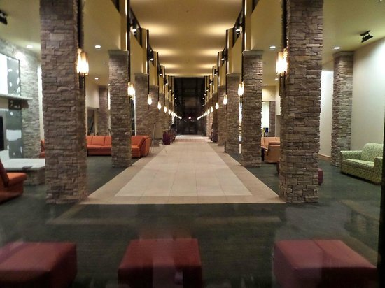 Canaan Valley Resort: Mezzanine-entrance hall