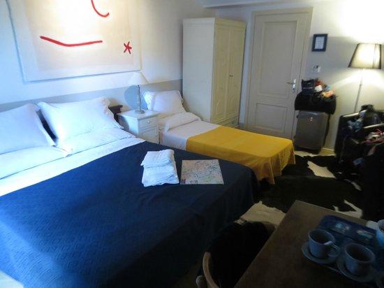 Blue Hostel: Triple Room; view from window/desk area