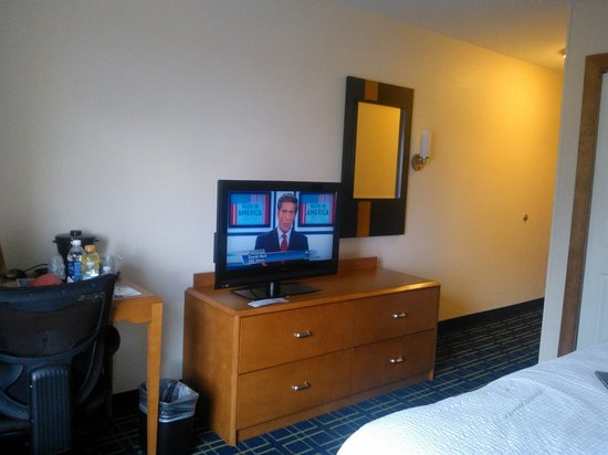 Fairfield Inn & Suites Austin North/Parmer Lane: flat screen tv