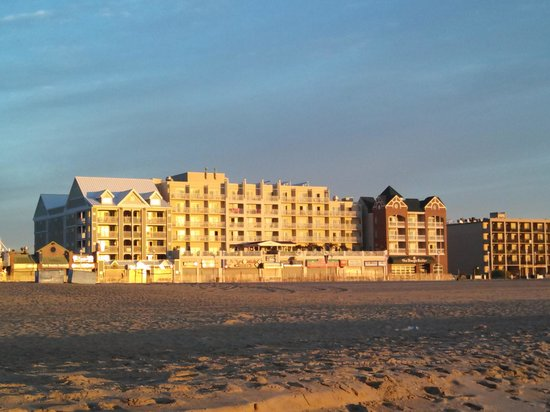 Park Place Hotel: View from the beach.