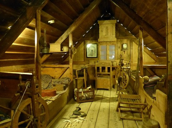 Isländisches Nationalmuseum: A typical baðstofa, a farm's living/sleeping room, built in the late 19th century