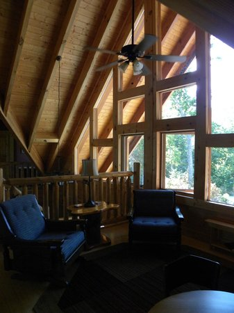 Chilhowee Mountain Retreat: Reading Loft next to The Bear Room