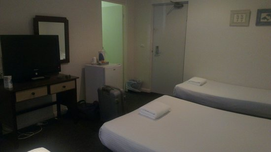 Coogee Bay Hotel: Room 120