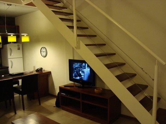 Piedras Suites: Escalera a segunda planta