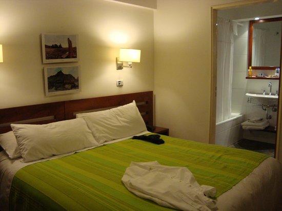 Piedras Suites: Dormitorio y Baño (2da. Planta)