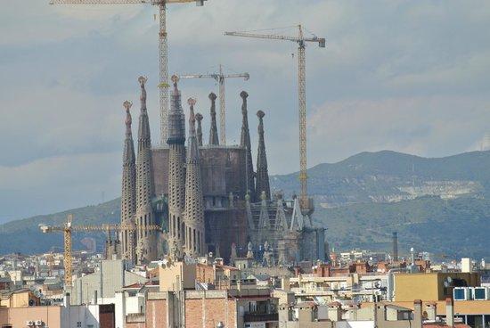 Hotel Avenida Palace: View of La Sagrada Familia from our room