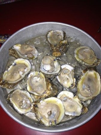 Victorio's Oyster Bar and Grille: yum