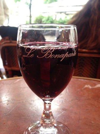 Cafe Bonaparte: nice wine to relax & people watch