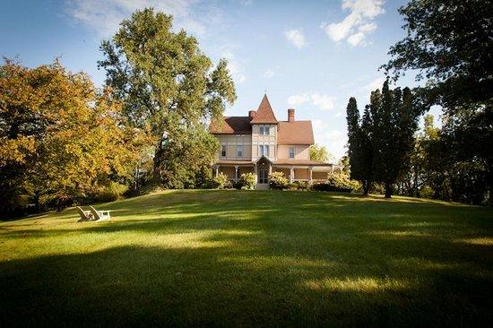 Mount Merino Manor : Beautiful Victorian designed by Thomas Church