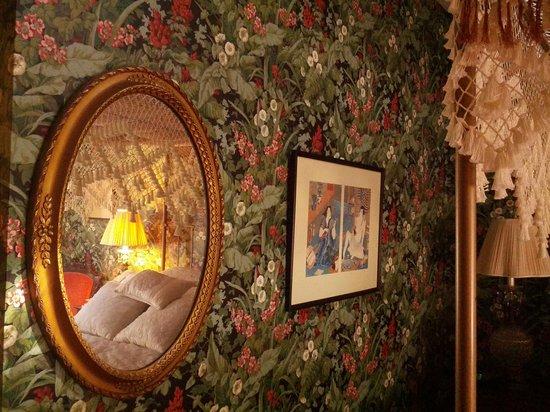 Hawthorne Inn: Punkatasset reflections