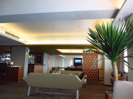 Alila Jakarta : Executive lobby view 1