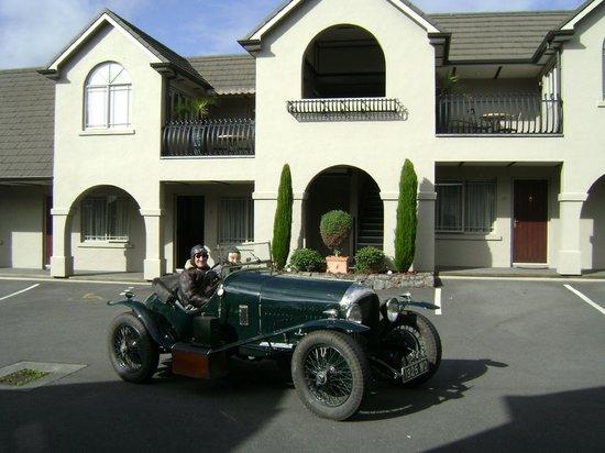 Lodge Bordeaux: Exterior shot