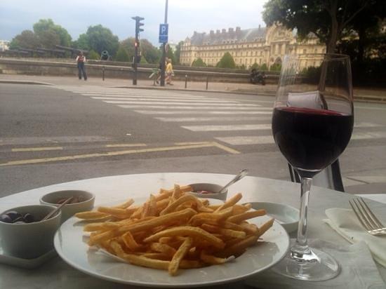 """Café de l'Esplanade : Great """"frites"""""""