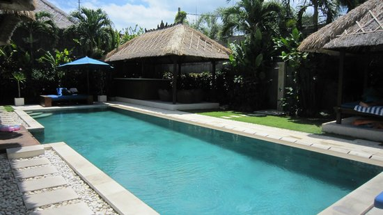Villa Bugis: Beautiful pool!