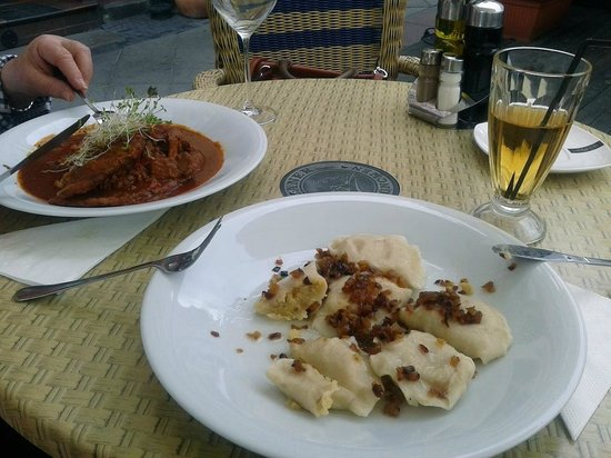 Maska Pub: Delicious goulash with potato pancakes and ruskie pierogi