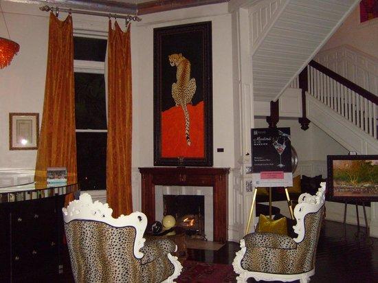 700 Drayton Restaurant : The interiors