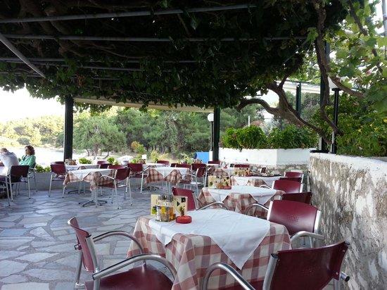 Hotel Villa Nisteri: Taverna vom Hotel