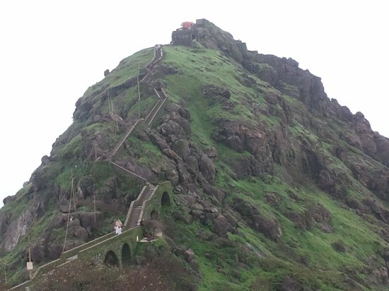 Girnar Temples: The steps go down and up again to Gorakhnath Peak at 1116m (3666 ft) above sea level, where ther