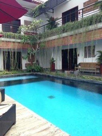 Kamar Kamar Rumah Tamu: piscine