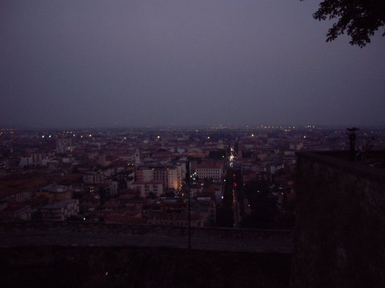 City Sightseeing Bergamo: View of lower Bergamo at night from Spalto di San Giacomo
