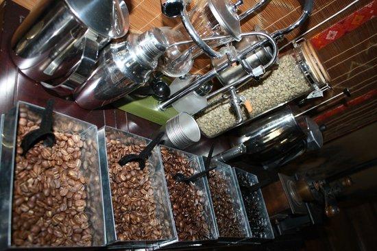 Cafe Edomons