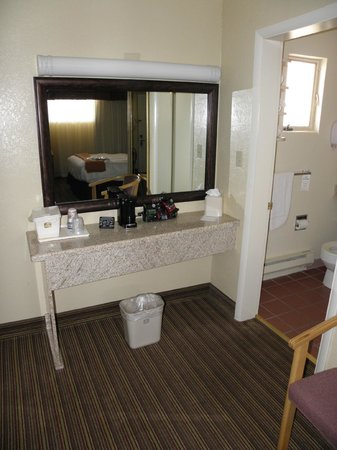 BEST WESTERN Turquoise Inn & Suites : Lavabo