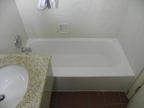 Best Western Turquoise Inn & Suites: Vasca da bagno