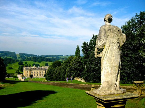 Devonshire Arms: Taking the Garden Tour at Chatsworth; a 3 minute drive from hotel