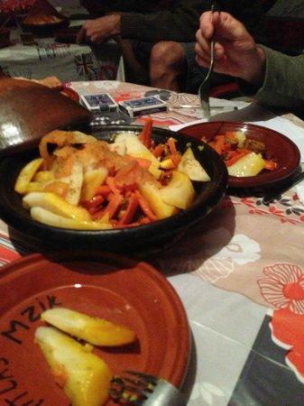 Gite Atlas Mazik: Houssein's excellent Lamb Tagine