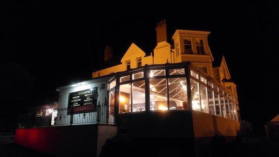 Trecastell Hotel at night