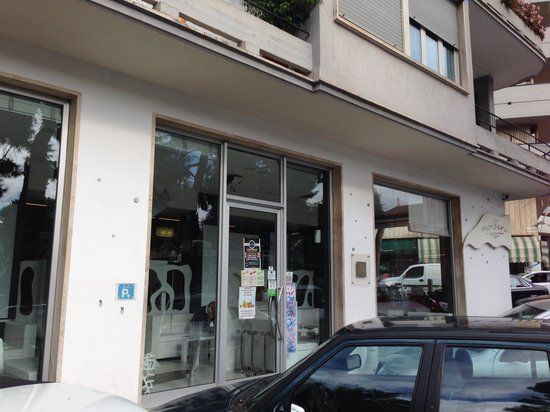Monblanc Cafe: Lato esterno Monblanc Cafè