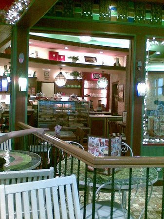 Cafe Mary Grace: Inside