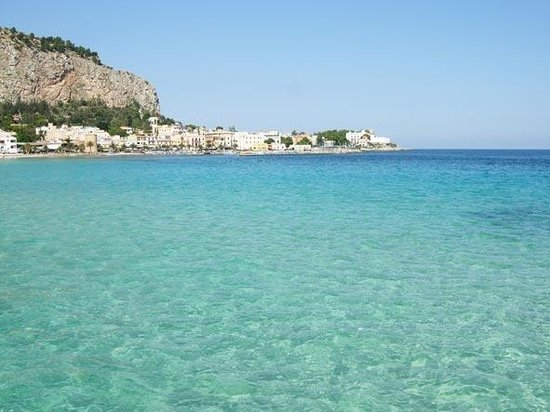 Il mare di Mondello - Picture of Mondello, Palermo ...