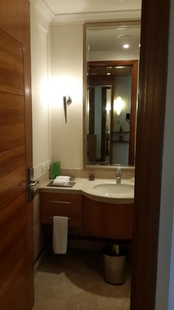 Park Plaza Hotel Gurgaon: clean & tidy bath room