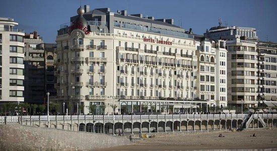 Fachada hotel de Londres y de Inglaterra