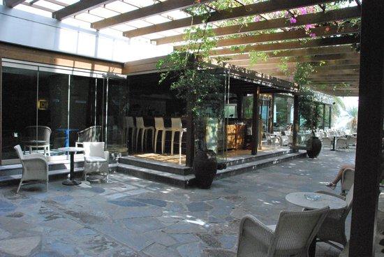 Sitia Beach City Resort & Spa : une des terrasses
