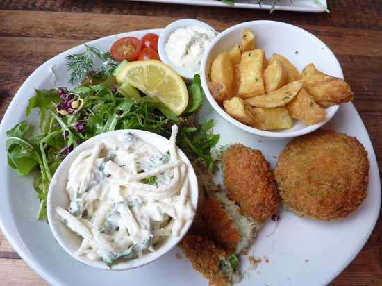 Source Sligo Restaurant: Mullaghmore crab cakes and salad