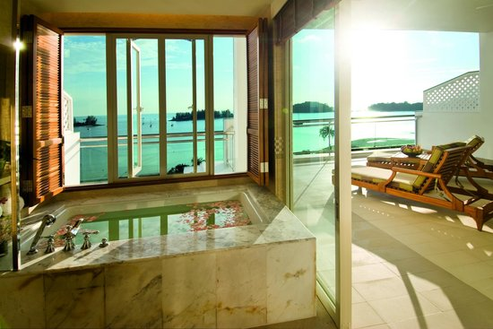 The Danna Langkawi, Malaysia : A soothing bubble bath at the open-concept bathroom complement your stay at The Danna Langkawi