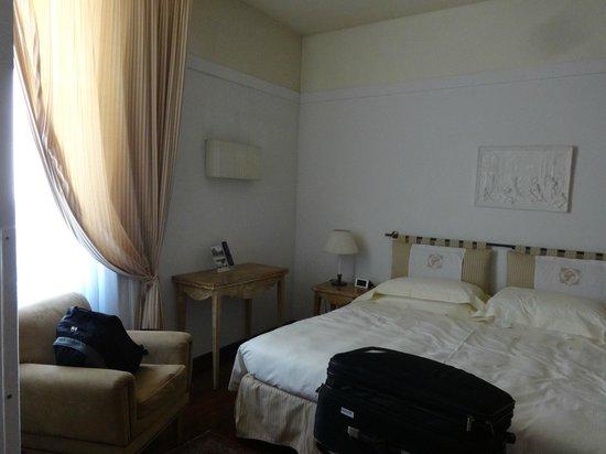 Grand Hotel Minerva: Linda, luminosa y tranquila habitación