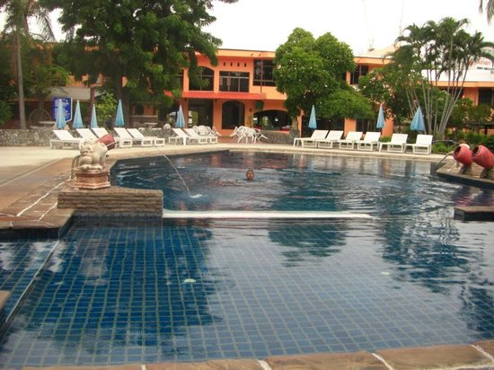Peace Resort Hotel : the swimming pool