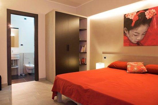 """Bed & Breakfast """"Al Centro Storico"""": camera matrimoniale con bagno privato e angolo cottura"""