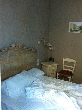 Hôtel de Bordeaux : chambre