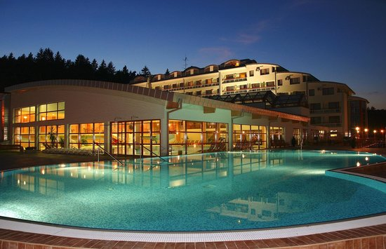 Hotel & Spa Resort Kaskady: Outdoor pool
