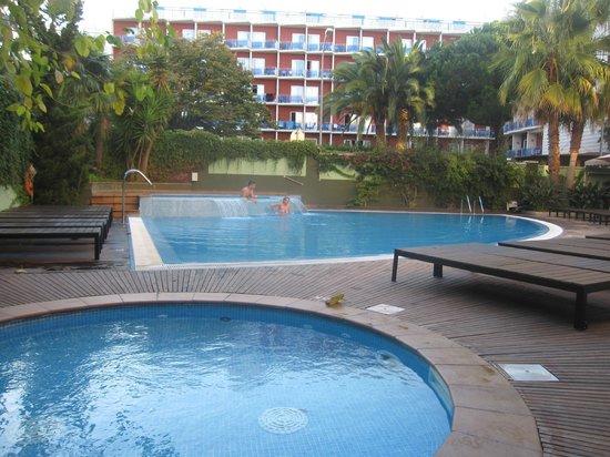 Hotel Acapulco Lloret de Mar: Pool at Hotel Acapulco