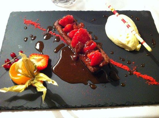 LE SABAYON : Dessert au chocolat et fruits rouges pour moi