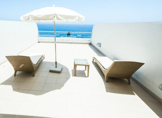 Melia Madeira Mare Resort & Spa: SUPERIOR SEAVIEW ROOM VERANDA